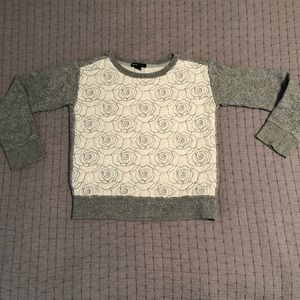 Girls Gap embroidered roses sweatshirt
